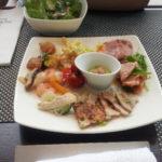 親の退職記念に昼ランチを東京駅で食べる。