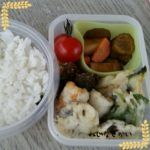 天ぷら弁当、ホワイトシチューにおにぎり弁当、おいなりさん弁当、ロールキャベツ弁当