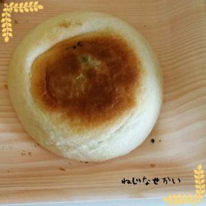 ねじなせかい_豆乳シチューと総菜パンの弁当01_201802_13